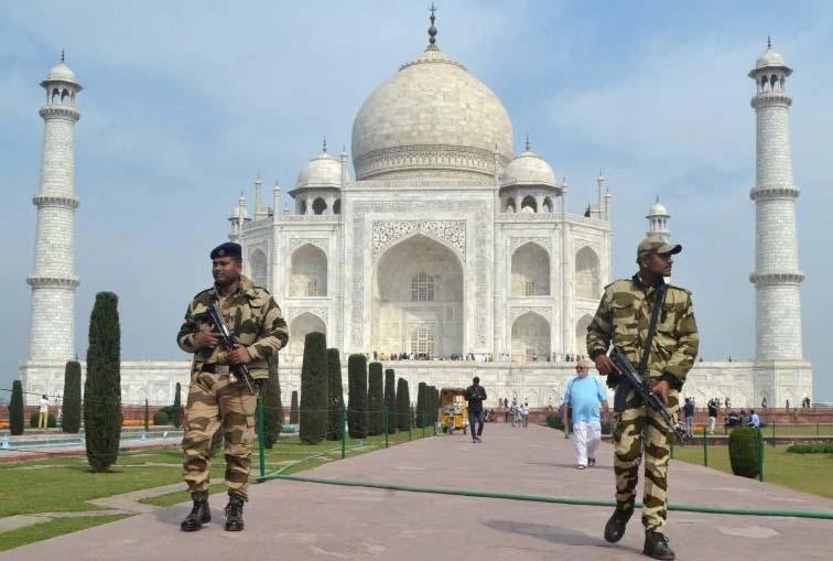 Bomb threat at Taj Mahal, tourists evacuated, search underway