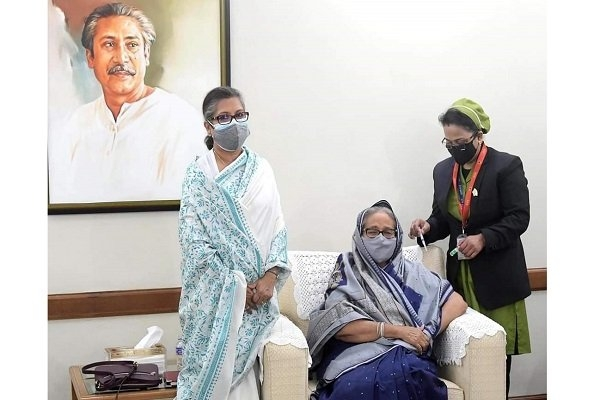 PM Hasina receives first dose of Covid vaccine