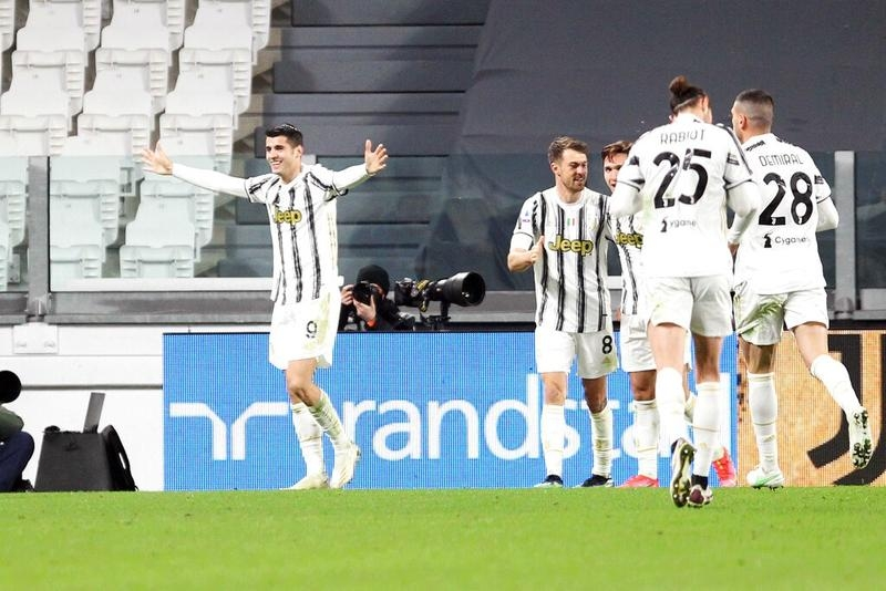 Morata spearheads Juve fightback against Lazio to close gap at top