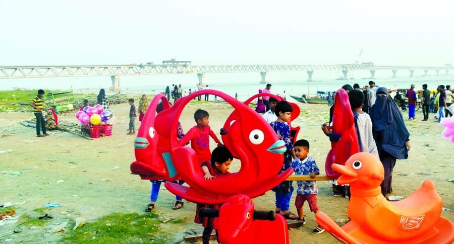 Mawa Ghat becomes a tourist spot