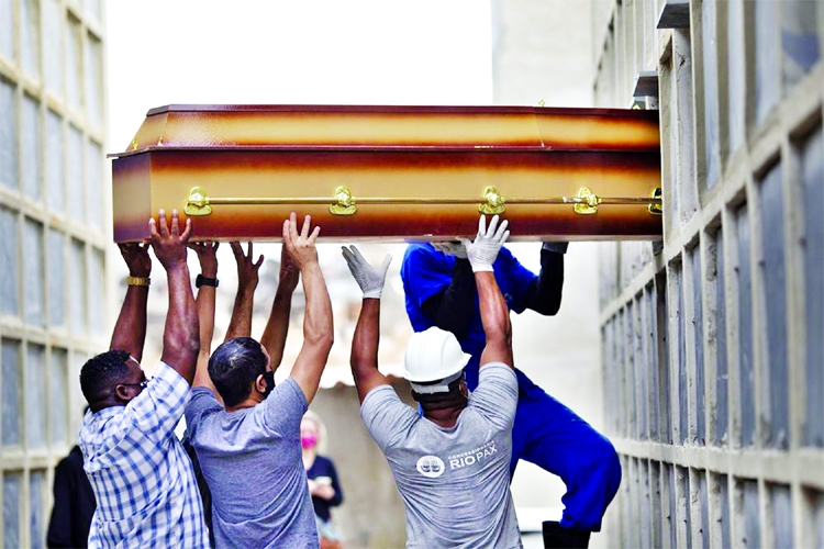 Worldwide Covid-19 death toll tops 3 million
