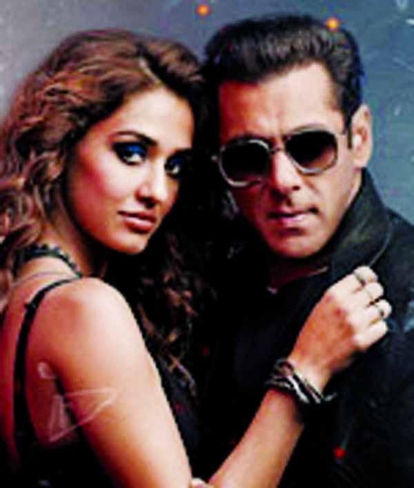 Salman announces advance booking of Radhe in UAE