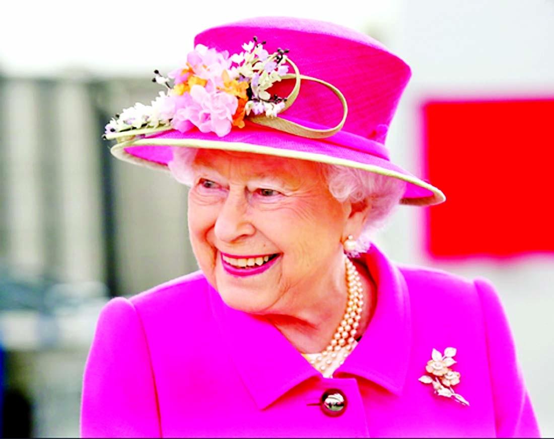 Queen meets Duke, Duchess of Sussex's baby