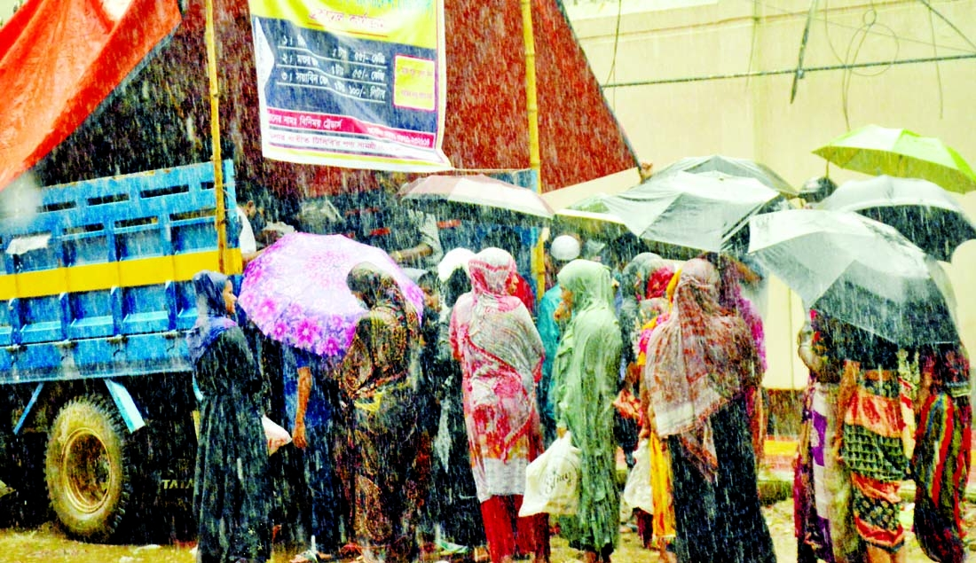 Anarchy in public transports Health rules, hygiene guidelines neglected