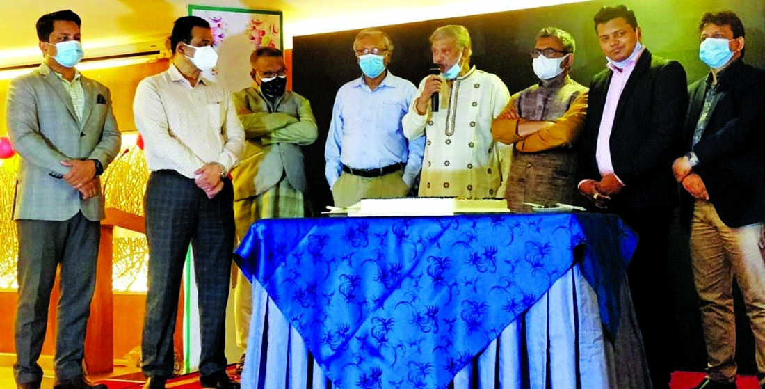 Planning Minister MA Mannan, inaugurating the online shop e cellerbazar.com at a hotel in the capital on Wednesday as chief guest. Jewel Rana, Managing Director and other executives of the company were present.