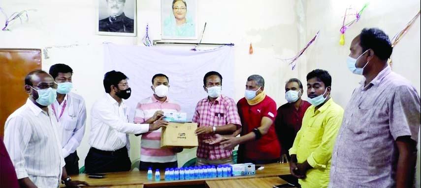 Corona protection materials distributed among Ishwardi journos