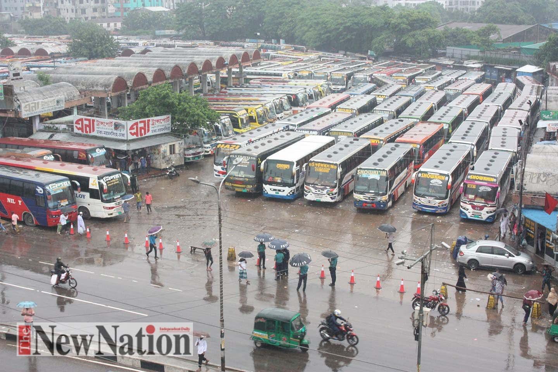 Lockdown in 7 dist: All Dhaka-bound bus services shut down