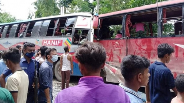 3 killed, 25 injured in Rangpur road accident on Eid day