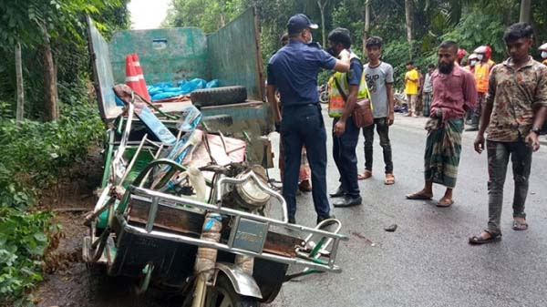 7 die in separate accidents in Bagerhat