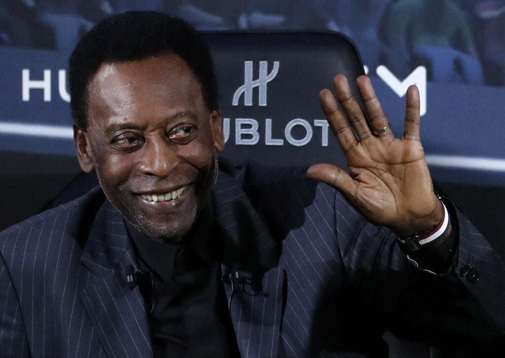 Pelé in 'semi-intensive' care, daughter says he's doing well