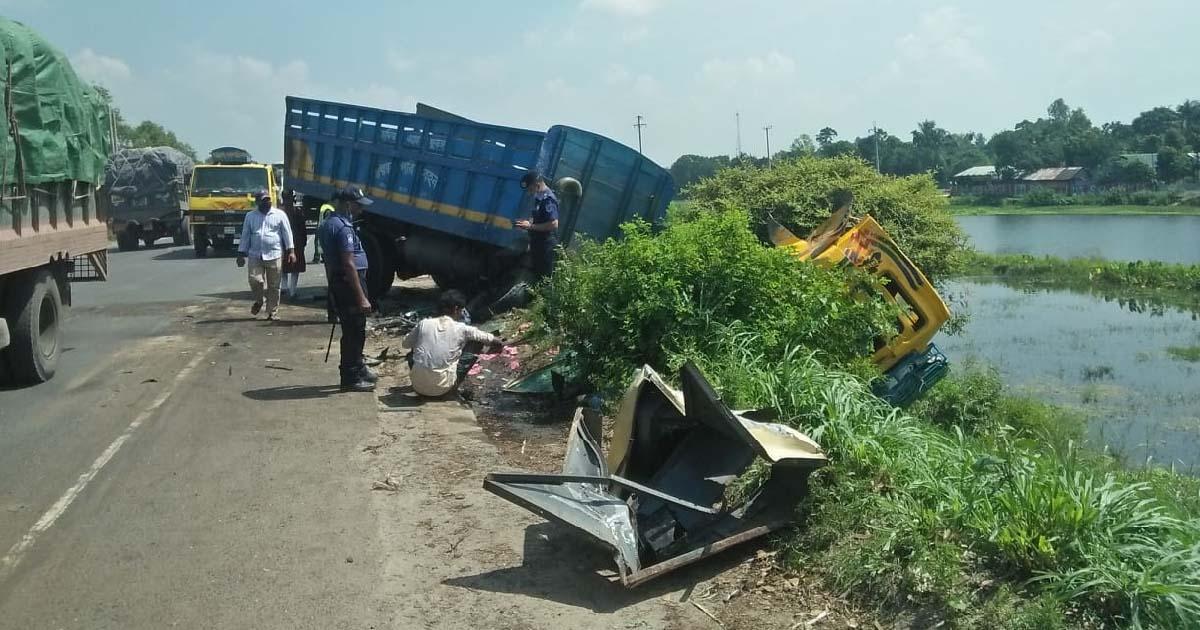 Tangail road crash kills three