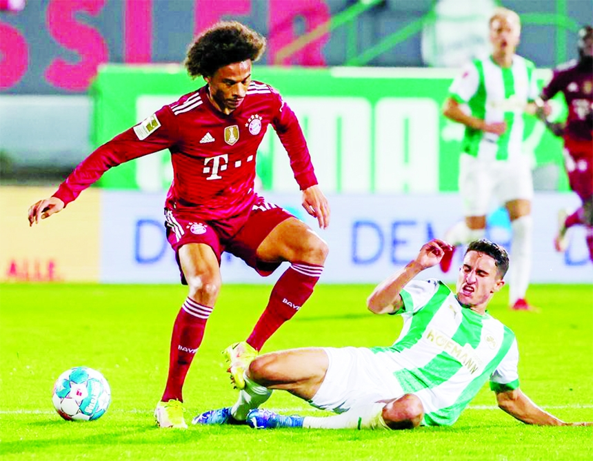 10-man Bayern win at Fuerth to open 3 point Bundesliga lead