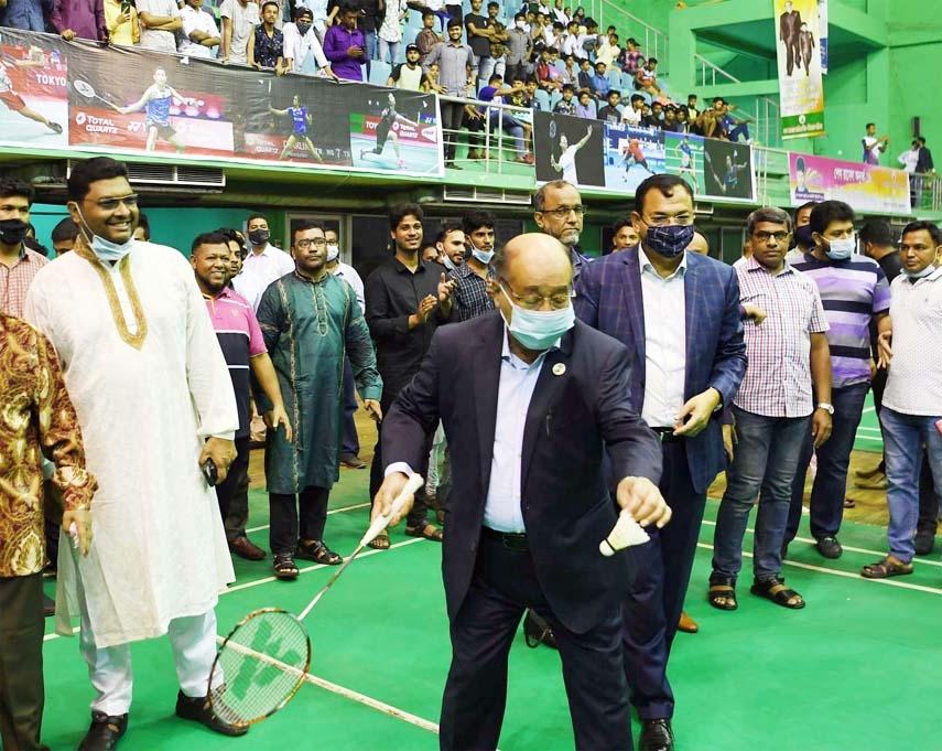 Industries Minister Nurul Majid Mahmud Humayun formally opens the Sheikh Russel Under-19 Badminton Competition at the Shaheed Tajuddin Ahmed Indoor Stadium in Dhaka on Wednesday.