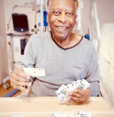 Pele feels 'better' following tumor surgery