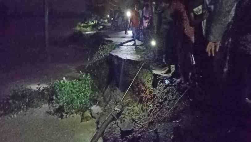 Rising Teesta: Flash floods snap Lalmonirhat-Rangpur road link