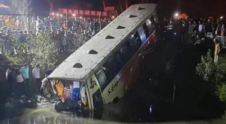 Bus hits Mayor's car, kills 3 including wife and son