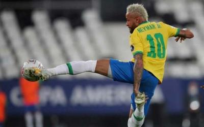 Late goal gives Brazil controversial 2-1 win over Colombia