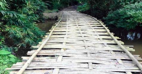 10 thousand people in Brahmanbaria dependent on a tottering bridge